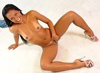 Melissa Brasil pediu para negão fuder seu cuzinho e toma porra na boca