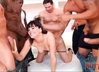 Bobbi Starr e Lisa Ann em cenas muito excitantes antes e depois do sexo